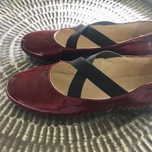 Naturino Shoes - Naturino candy apple red patent leather flats Sz 4
